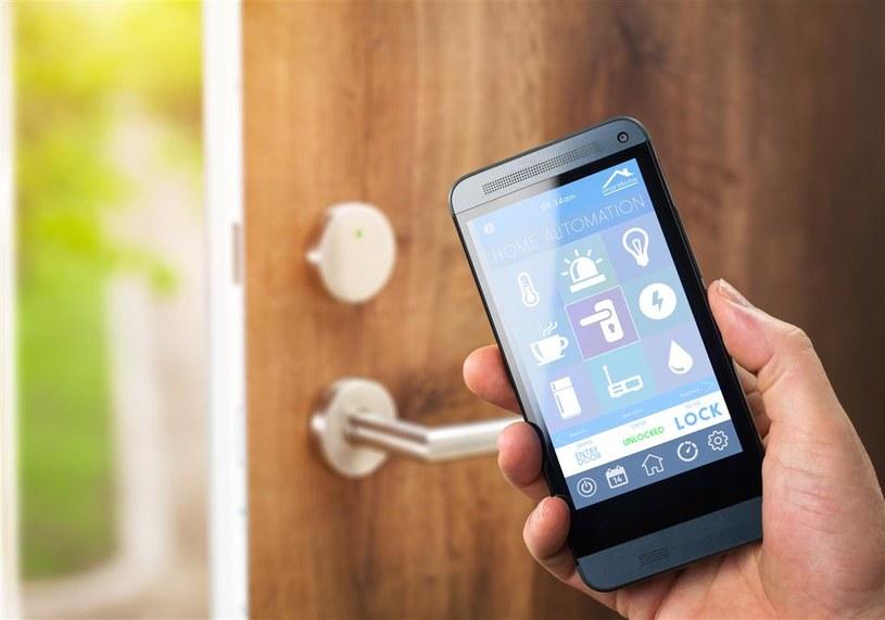 Współcześnie funkcję klucza coraz częściej zaczynają pełnić smartfony i smartwatche /materiały prasowe