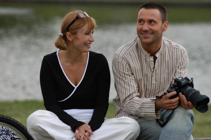 """Wspólna praca w serialu """"Magda M."""", w którym zagrali parę przyjaciół, pozwoliła Joannie Brodzik i Bartkowi Świderskiemu naprawić wzajemne stosunki. /Zawada /AKPA"""