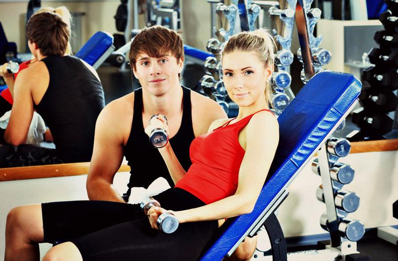 Wspólne treningi mogą sprawić, że oboje nabierzecie większej ochoty na seks... /123RF/PICSEL