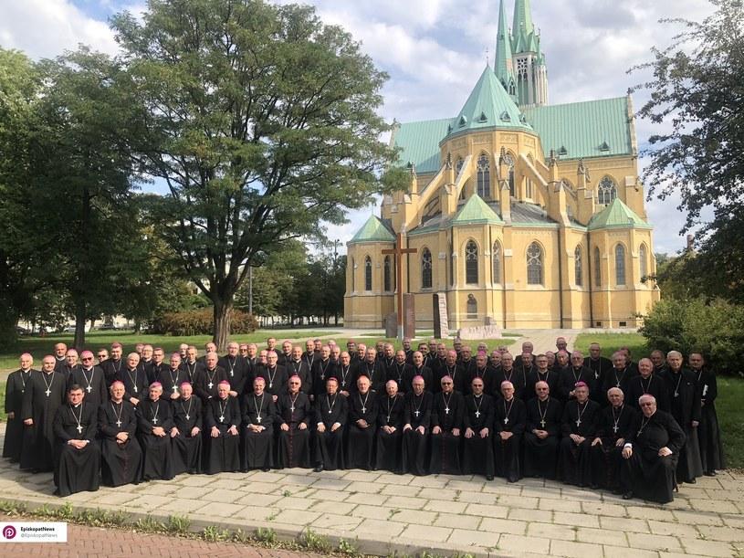 Wspólne zdjęcie księży biskupów podczas 387. Zebrania Plenarnego KEP w Łodzi /Twitter