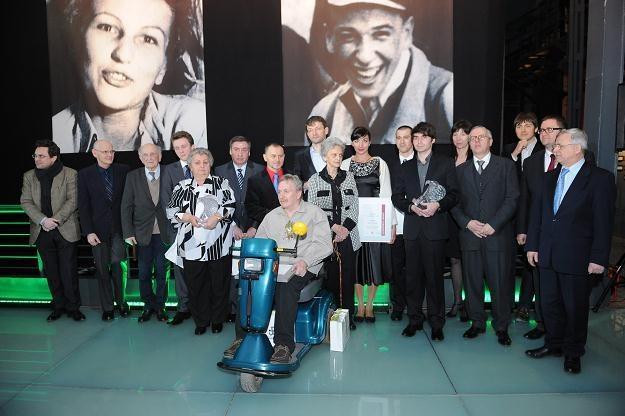 Wspólne zdjęcie podczas uroczystości wręczenia nagrody/fot. Jacek Turczyk /PAP