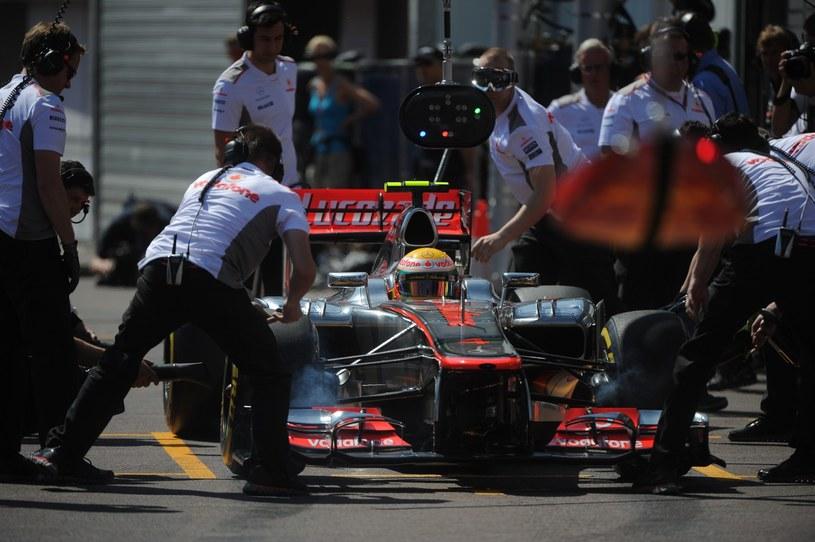 Współpraca Hamiltona z zespołem nie układa się ostatnio najlepiej / /AFP