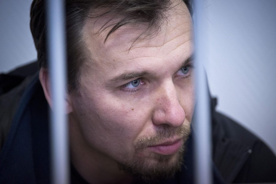 Wśród aktywistów jest 37-letni Tomasz Dziemianczuk, pracownik Uniwersytetu Gdańskiego /DMITRI SHAROMOV  /PAP/EPA