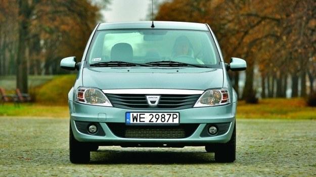 Wśród aut w wieku od 2 do 5 lat najbardziej awaryjna okazała się Dacia Logan. /Motor