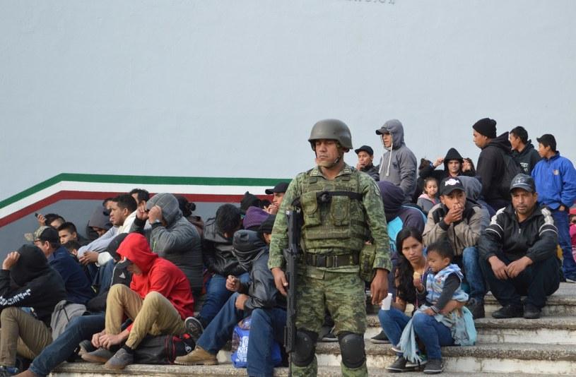 Wśród migrantów było wiele dzieci /JOSE MARTINEZ /PAP/EPA