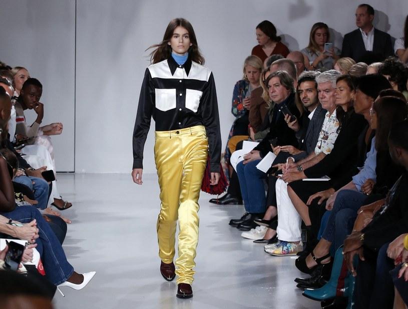 Wśród modeli pojawiła się córka Cindy Crawford, Kaia Gerber /East News