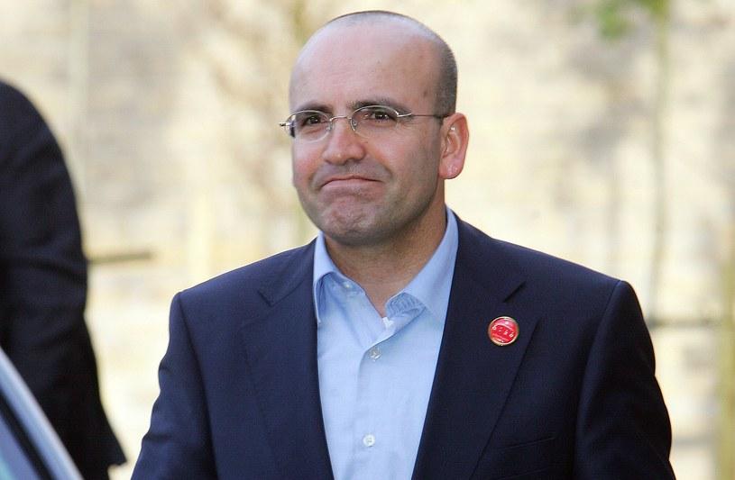 Wśród monitorowanych był turecki minister finansów Mehmet Simsek /AFP