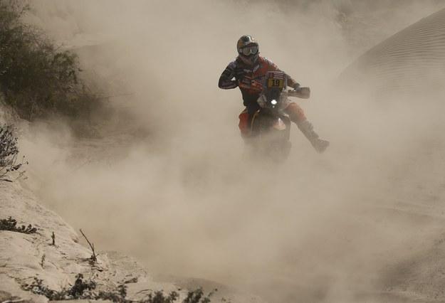 Wśród motocyklistów najszybszy na szóstym etapie był Francuz Antoine Meo /Antoine Meo /PAP/EPA