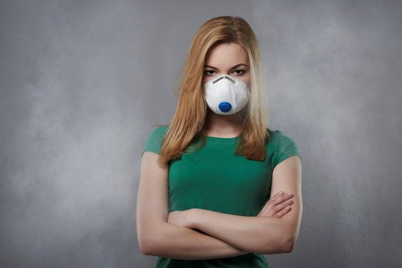 Wśród najgroźniejszych substancji znajdujących się w zanieczyszczonym powietrzu prym wiodą benzopireny /123RF/PICSEL