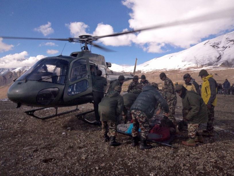 Wśród poszkodowanych jest ponad 100 osób - turystów z różnych krajów świata /AFP
