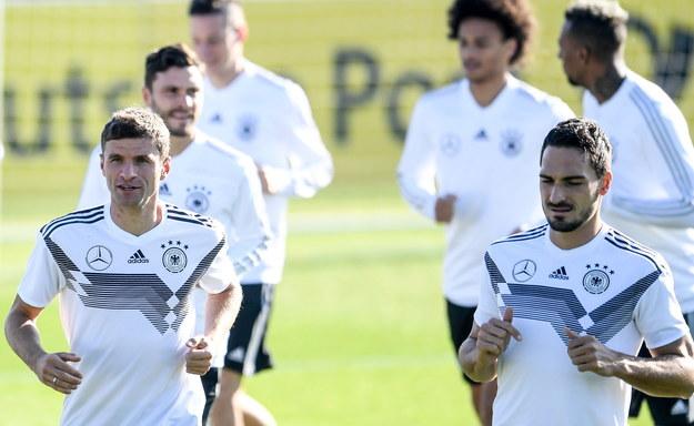Wśród powołanych do niemieckiej kadry na Euro 2020 są Mats Hummels i Thomas Mueller /FILIP SINGER /PAP/EPA