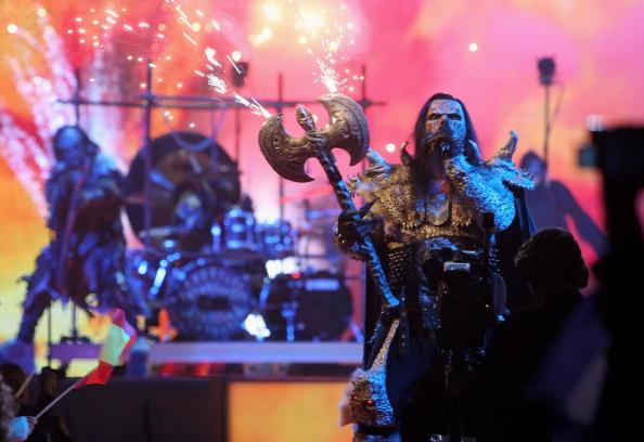 Wśród wszystkich zespołów, które pojawiły się kiedykolwiek na Eurowizji, nie ma chyba drugiej takiej grupy jak Lordi / Johannes Simon / Staff /Getty Images