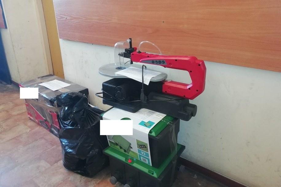 Wśród zabezpieczonych przedmiotów był sprzęt ogrodniczy o wartości 8 tys. zł /Policja