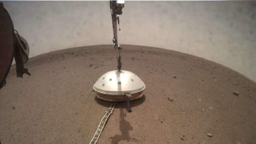 Wstrząsy na powierzchni Marsa to coś normalnego /NASA