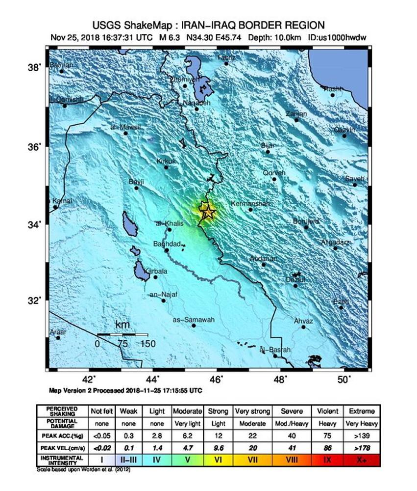 Wstrząsy o magnitudzie 6,3 były odczuwalne w co najmniej siedmiu z 31 irańskich prowincji, a najsilniej w prowincji Kermanszah, gdzie w zeszłym roku na skutek najpotężniejszego od ponad 10 lat trzęsienia ziemi życie straciło więcej niż 600 osób, a tysiące zostały ranne.