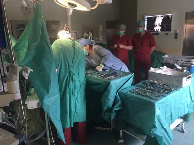 Wszczepiony implant będzie rósł razem z dzieckiem /Piotr Bułakowski /RMF FM
