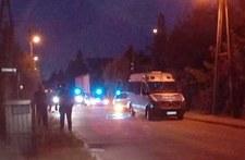 Wszedł na dach i celował bronią w przechodniów. Akcja policji w Radwanicach