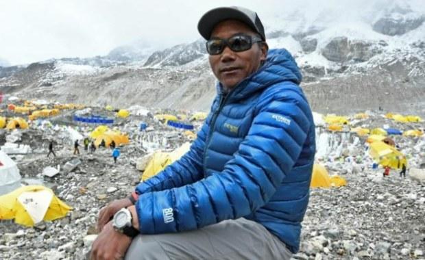 Wszedł na Mount Everest po raz... dwudziesty piąty. Oto Kami Rita Sherpa!
