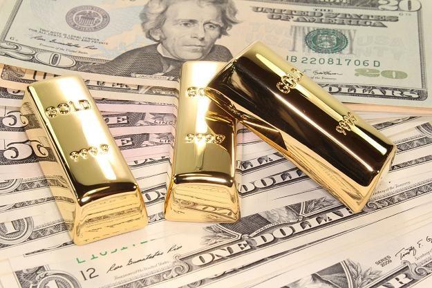 Wszędzie wzrost, a złoto.. tanieje /©123RF/PICSEL