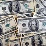 Wszyscy spoglądają na dolara