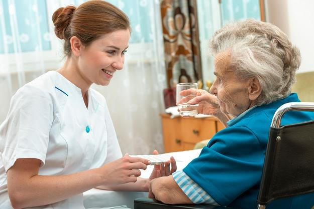Wszyscy zainteresowani losem osób przewlekle chorych liczyli na dobrą zmianę /©123RF/PICSEL