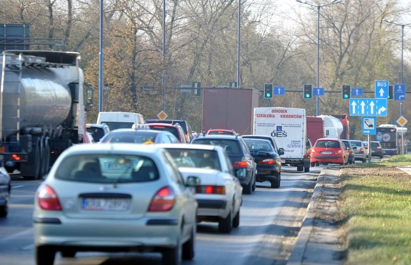 Wszystkich Świętych: Na polskich drogach panuje spory ruch /M. Lasyk /Reporter