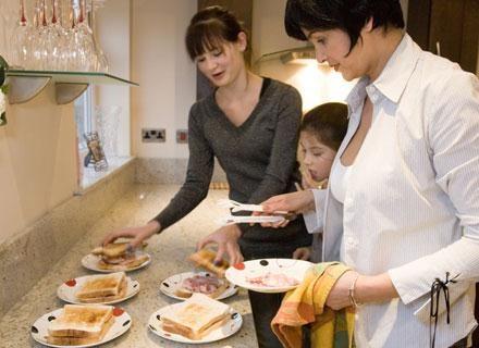 Wszystkie babcie, podobnie jak rodzice, przeżywają powiększenie się rodziny /© Panthermedia