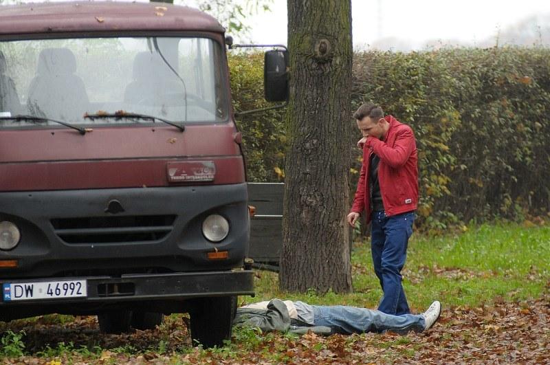 Wszystkie dowody wskazują na to, że mordercą jest Radek... /Bogdan Bogielczyk /ATM