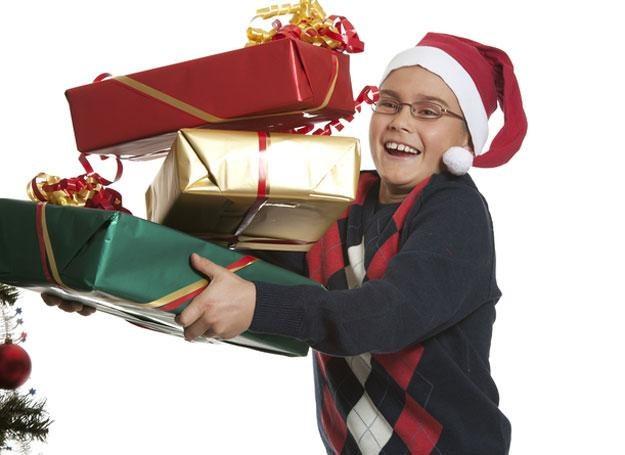 Wszystkie dzieci kochają prezenty, szczególnie te gwiazdkowe /© Panthermedia