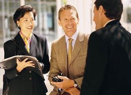Wszystkie kontakty nawiązane w pracy mogą w przyszłośco okazać się przydatne /INTERIA.PL