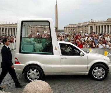 Wszystko o autach papieży