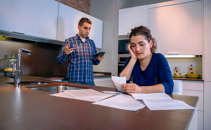 Wszystko zaczęło się od kredytu hipotecznego, który zaciągnęli osiem lat temu /123RF/PICSEL