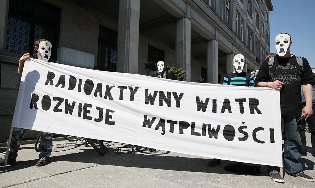 Wtorkowa manifestacja przed Ministerstwem Gospodarki /PAP