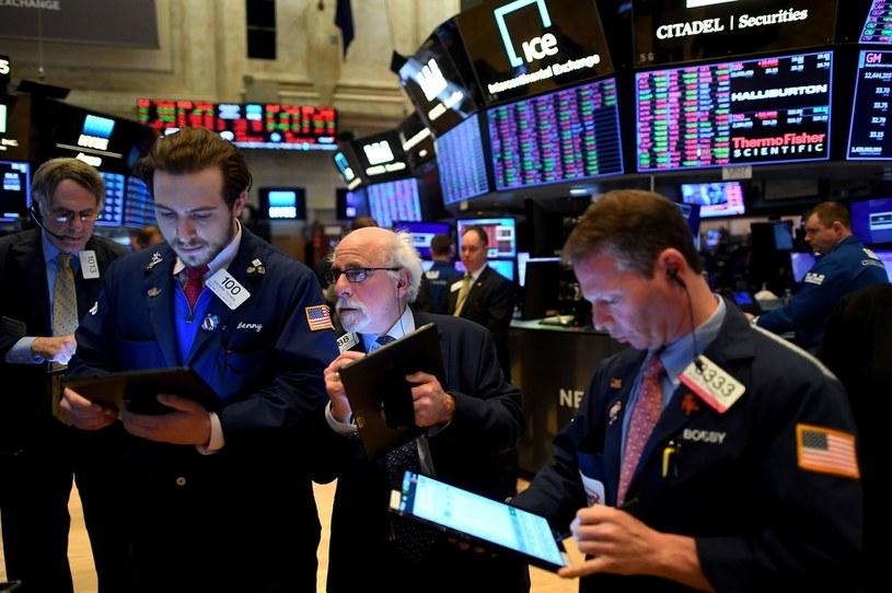 Wtorkowa sesja na Wall Street zakończyła się spadkami głównych indeksów /AFP