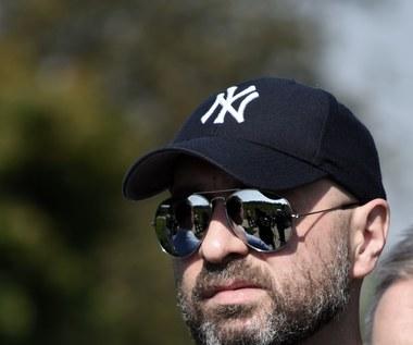 """Wu-Hae i Maciej Maleńczuk ostro: Donosiciele i szaleńcy rządzą krajem [teledysk """"Gończe psy""""]"""