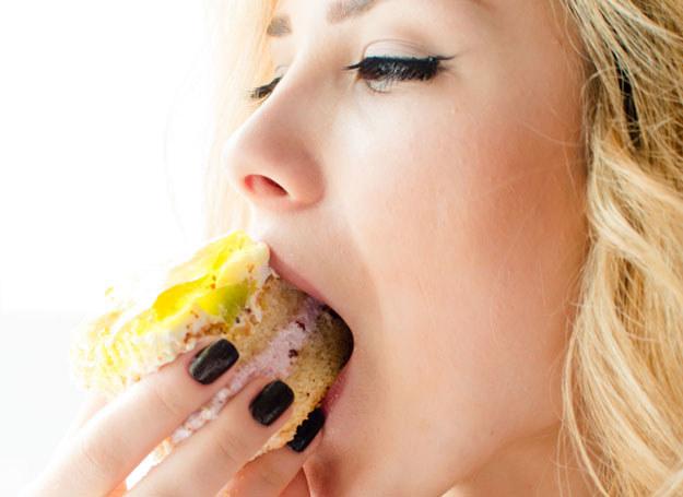 Wybieraj jedzenie mądrze, a nie zachorujesz /123RF/PICSEL