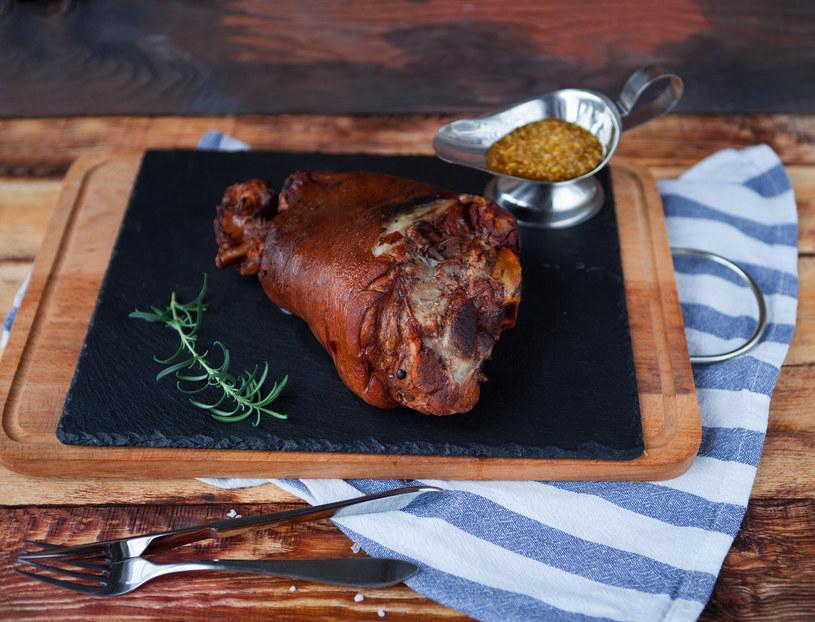 Wybieraj mniejsze porcje mięsa. Są łatwiejsze w obróbce i ciekawiej można je wyeksponować /123RF/PICSEL