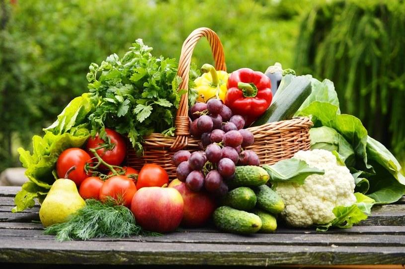 Wybieraj owoce i warzywa o niskim indeksie glikemicznym /123RF/PICSEL