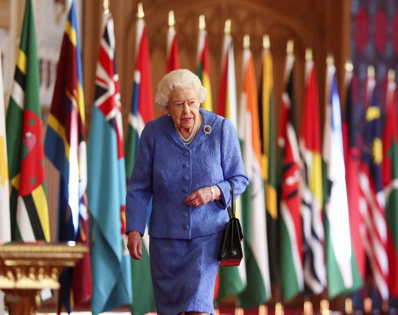 Wybierając ozdobę, królowa myślała o swoim mężu? /Steve Parsons - WPA Pool/Getty Images /Getty Images