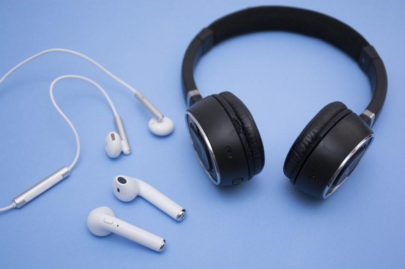Wybierając słuchawki bezprzewodowe, warto zwrócić uwagę, czy posiadają technologię aktywnej redukcji hałasu (ANC) /materiały promocyjne