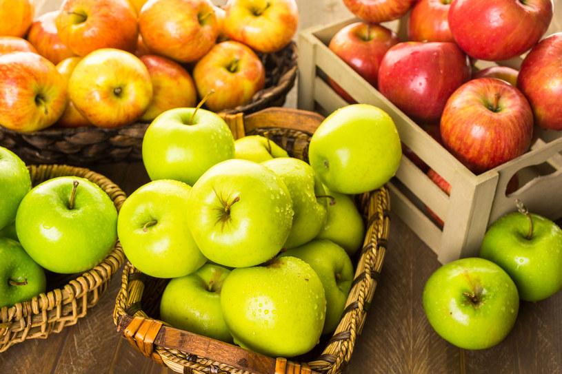 Wybierajmy przede wszystkim świeże owoce, które są źródłem błonnika i witamin /123RF/PICSEL