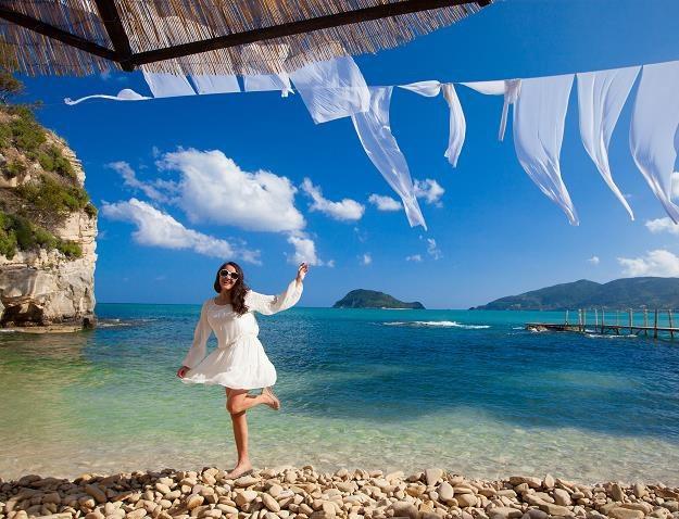 Wybierasz się na wakacje do Grecji? Solidnie się przygotuj /©123RF/PICSEL