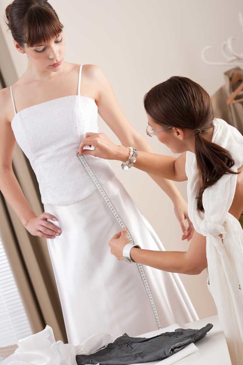 Wybierz krój, który najlepiej podkreśla twoje atuty i tuszuje niedoskonałości /Can stock photo inc /Wedding