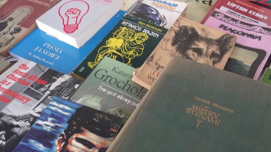 Wybór książek do wymienienia jest spory. /Katarzyna Sobiechowska- Szuchta /RMF FM