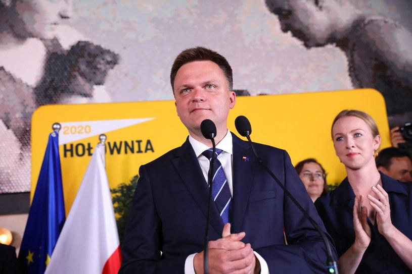 Wybory prezydenckie 2020. Kandydat na prezydenta Szymon Hołownia z małżonką Urszulą Brzezińską-Hołownią w sztabie wyborczym w Warszawie