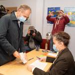 Wybory w PO. Wybrano szefów lokalnych struktur. Tusk ubiega się o fotel przewodniczącego