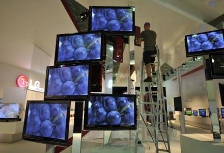 Wybrany telewizor powinien mieć częstotliwość przynajmniej 100 Hz /AFP