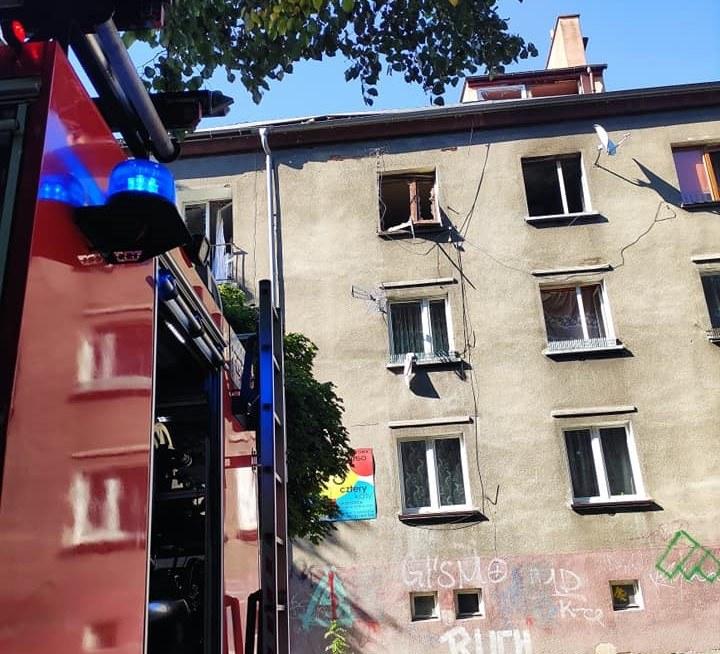 Wybuch gazu w Zawierciu (Źródło: Komenda Powiatowa Państwowej Straży Pożarnej w Zawierciu) /facebook.com