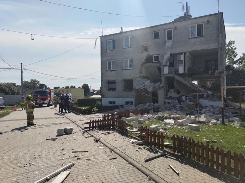 Wybuch gazu zniszczył znaczną część budynku /OSP Janowiec Kościelny /materiał zewnętrzny