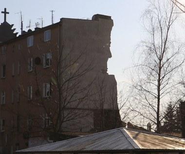 """Wybuch na poznańskim Dębcu. """"Z pełną premedytacją pociągnął w otchłań śmierci 4 osoby"""""""